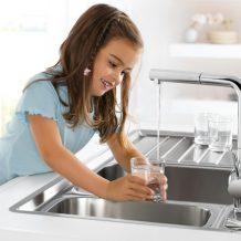 Beber agua directamente del grifo de casa