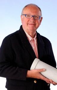 Peter Gross, ingeniero técnico e investigador, construyó en los años 90 los primeros vitalizados con remolinos para hogares pequeños.